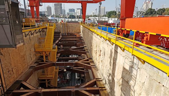 אתר בניית הרכבת הקלה בדרך בגין בתל אביב