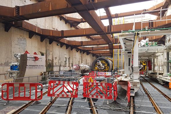 """אתר בניית הרכבת הקלה בדרך בגין בת""""א"""
