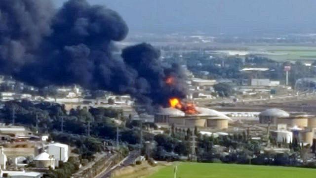 השריפה במיכל הדלק בבזן , צילום: יואב פרל