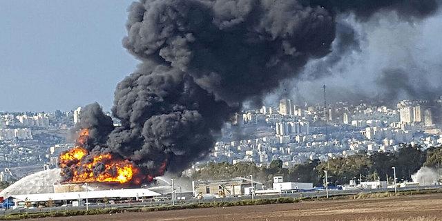 השריפה בבתי הזיקוק על סף כיבוי; המשרד להגנת הסביבה מסיר את ההתרעה להימנע משהייה בחוץ