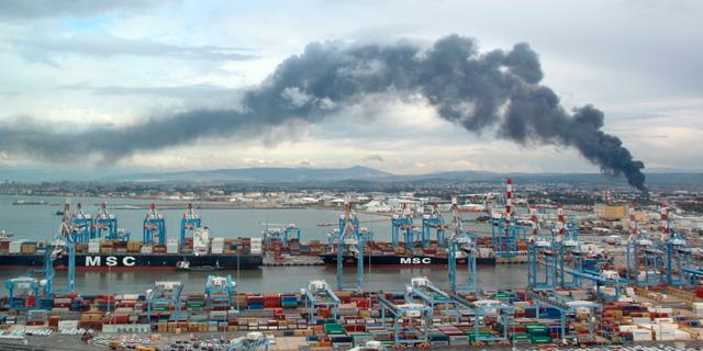 שריפה במפרץ חיפה (ארכיון), צילום: דוברות המשרד להגנת הסביבה