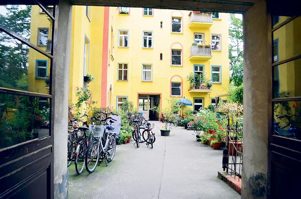 נכסים בבעלות איי.די.או בברלין, צילום: אורן פרוינד
