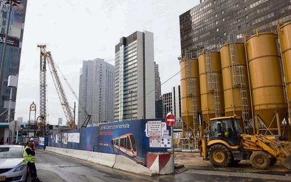 בניית הקו האדום, צילום: אוראל כהן