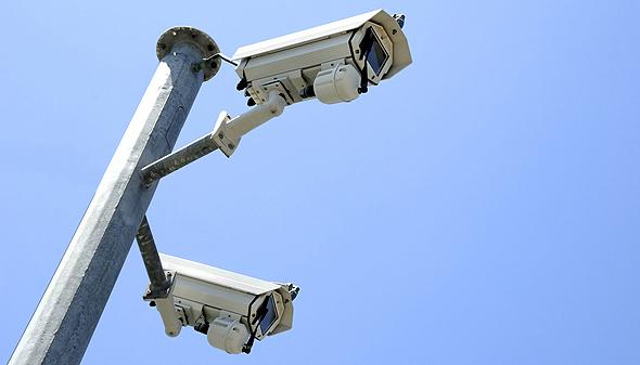 המערכת של בריפקאם מאפשרת לגופי בטחון לסרוק שעות של וידאו ממצלמות אבטחה בתוך דקות