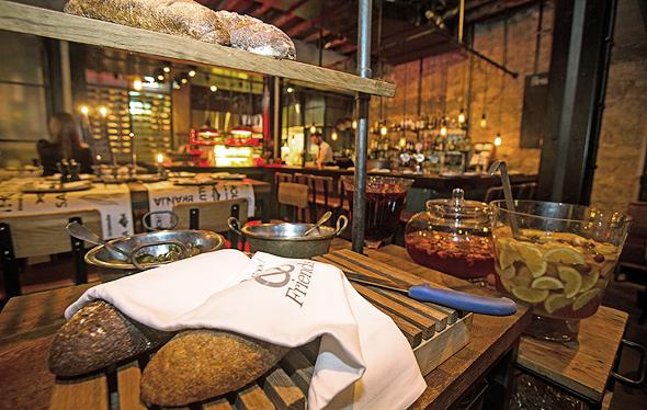 מסעדת ברנז'ה מתחם שרונה תל אביב פנאי, צילום: נמרוד גליקמן