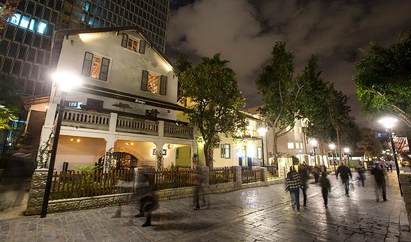 הכניסה למסעדת ברנז'ה מתחם שרונה תל אביב פנאי, צילום: נמרוד גליקמן