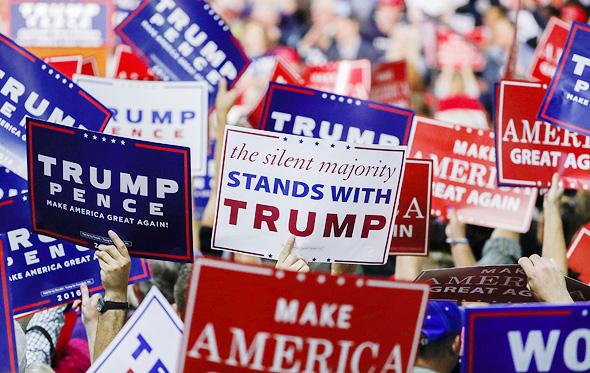 תומכי טראמפ בצפון קרוליינה באוקטובר. לאנשים יש זכות מלאה לסמוך על האינסטינקטים שלהם