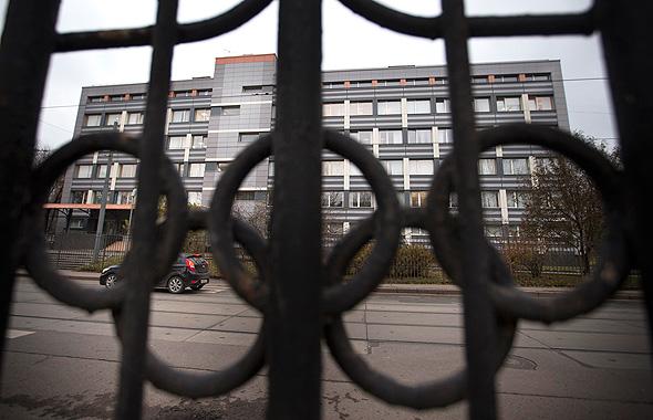 """המעבדה הרוסית. החלק השני של הדו""""ח, שפורסם החודש, חשף כי מעל אלף ספורטאים רוסים ב-30 ענפי ספורט השתמשו בחמורים אסורים, שעזרו להם לנצח, צילום: איי פי"""