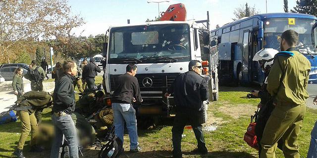 פיגוע בי-ם: משאית דרסה חיילים, 4 נרצחו