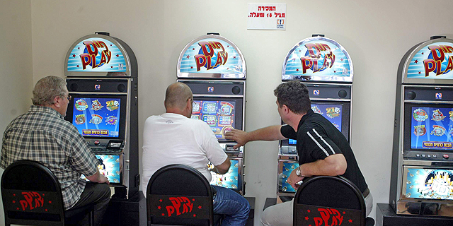 Many social casion games are based on slot machine mechanics