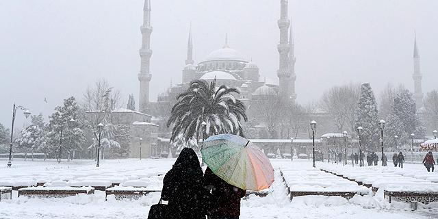 """טורקיה תחת שלג: טיסות טורקיש איירליינס שיצאו מנתב""""ג ינחתו באנטליה"""