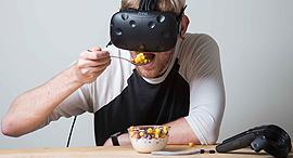 משקפי מציאות מדומה, צילום: תומי הרפז