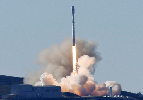 טיל של SpaceX, צילום: רויטרס