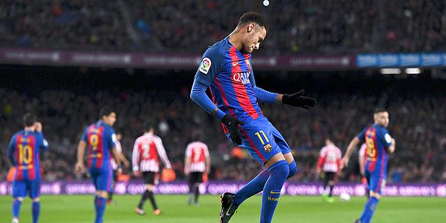 ניימאר מברצלונה. 20 המועדונים הגדולים בעולם ייצרו הכנסה של 7.4 מיליארד יורו בעונת 2015/16 - עלייה של 12% מהעונה שלפני. עלייה של 49% בהכנסות מזכויות שידור, 42% בהכנסות מסחריות ו-9% בלבד מימי משחק.