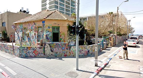 קרקע המריבה, רחוב נחמיה פינת הירקון בתל אביב