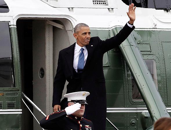 הנשיא ברק אובמה בטיסה האחרונה במסוק הנשיאותי 20.1.2017, צילום: איי פי