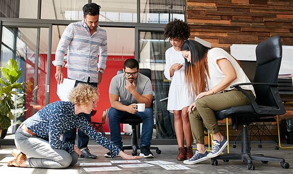 כ-70% מהמועסקים במגזר העסקי עובדים בעסקים קטנים