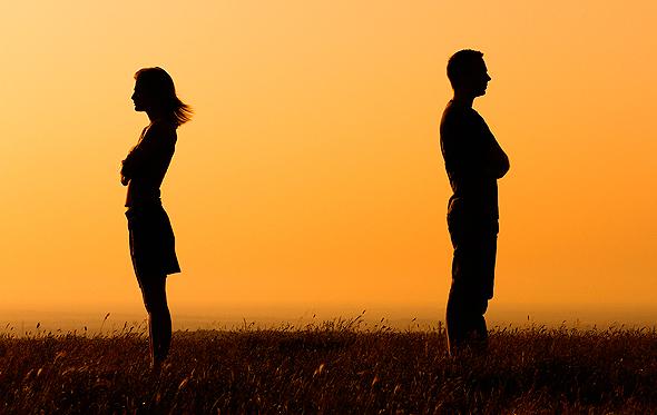 """מומלץ לכל אחד מבני הזוג להיות מיוצג ע""""י עורך דין מטעמו"""