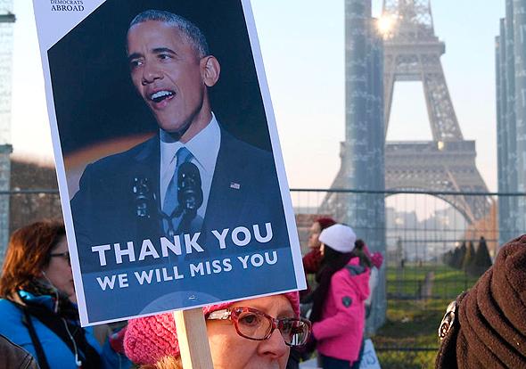 שלט תמיכה ברק אובמה ב פריז, צילום: איי אף פי