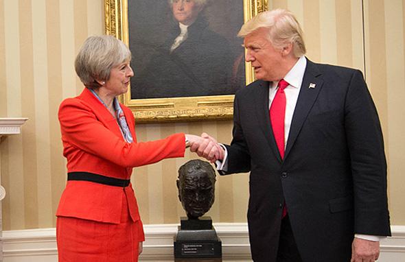 """דונלד טראמפ נשיא ארה""""ב ו תרזה מיי ראש ממשלת בריטניה, צילום: אם סי טי"""