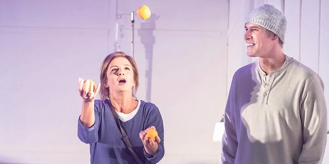 להתכתב עם המוות: המחזה של ענת גוב מעלה געגועים לשפתה הייחודית