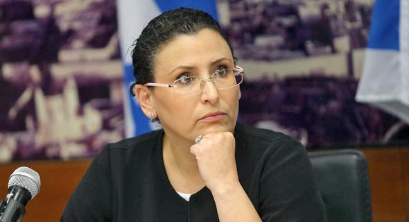 """החשכ""""לית לשעבר מיכל עבאדי בויאנג'ו. ביקורת קשה על הנהלת האוצר"""