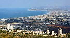 גבעת נשר מפרץ חיפה בתי זיקוק, צילום: אלעד גרשגורן