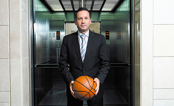 """אבנר קופל, יו""""ר מנהלת ליגת העל בכדורסל לשעבר, נידון ל-36 חודשי מאסר על הונאת הפניקס"""