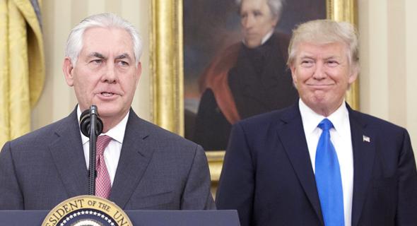 דונלד טראמפ ו שר החוץ שלו רקס טילרסון 1.2.2017, צילום: אם סי טי