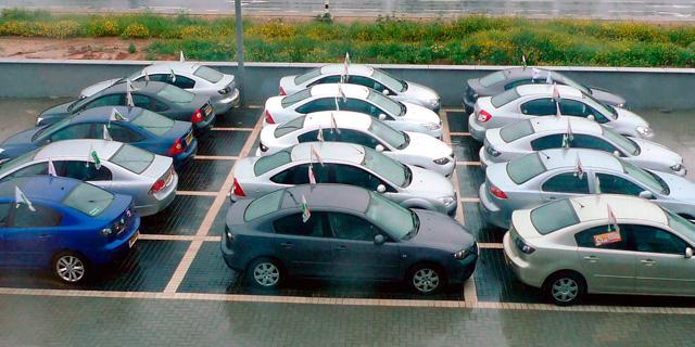 מגרש מכוניות רכבים של שלמה סיקסט