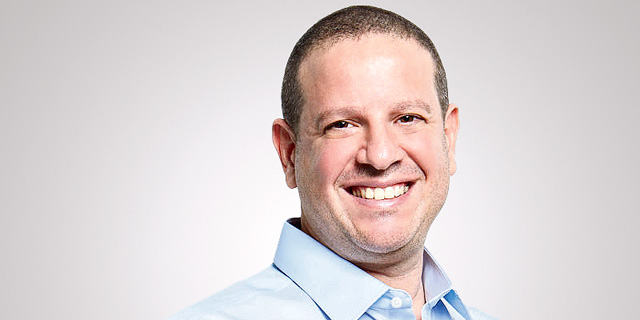 Brick and mortar shops are here to stay, says CEO of retail analytics company Trax