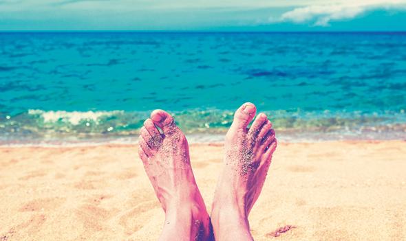 שב על החוף (אבל בלי לצלם ולשתף)