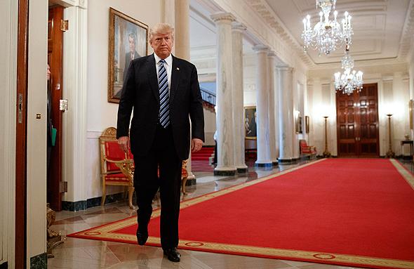 דונלד טראמפ ב בית הלבן  State Dining Room, צילום: איי פי