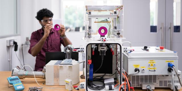 דייסון תשקיע חצי מיליארד דולר בהקמת מרכז פיתוח לבינה מלאכותית בסינגפור