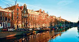 בתים על שפת התעלה באמסטרדם, צילום: איי. אף.פי