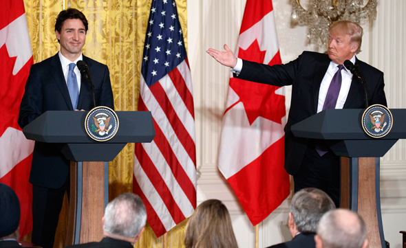 "נשיא ארה""ב דונלד טראמפ ור""מ קנדה ג'סטין טרודו, צילום: איי פי"