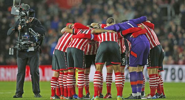 סאות'המפטון. המשחק של ליברפול נגד מנצ'סטר יונייטד ששודר בסקיי משך בממוצע 2.8 מיליון צופים, המספר הגבוה ביותר עבור משחק אחד בשלוש השנים האחרונות