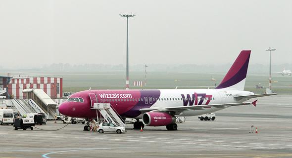 מטוס של Wizz Air ההונגרית, צילום: ערן גרנות