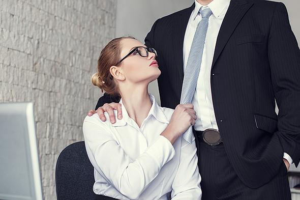 ההגדרה הרחבה של 'יחסי מרות' בפסיקה מסבכת את המצב