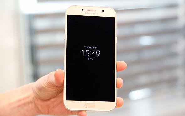 סמסונג גלקסי A7 סמארטפון 1, צילום: מיטל דיין