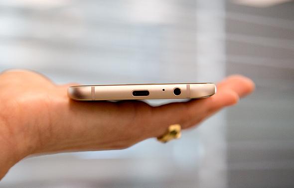 סמסונג גלקסי A7 סמארטפון 4, צילום: מיטל דיין