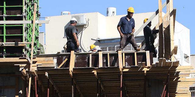 בניית דירות חדשות. שוק של ביקושים כבושים, צילום: שאול גולן