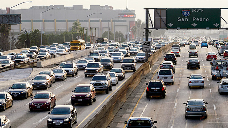 לוס אנג'לס. הפקקים הוחמרו ככל שהמצב הכלכלי בעיר השתפר