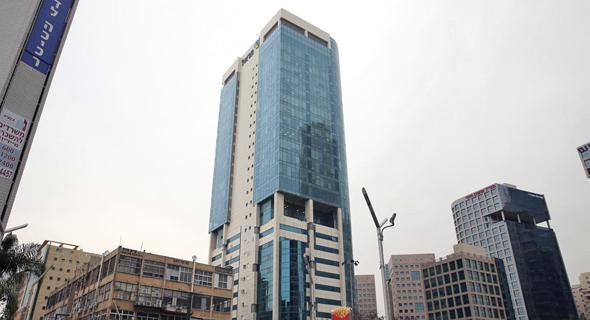בית הראל, רחוב אבא הלל סילבר רמת גן. הקומות החדשות טרם אוכלסו