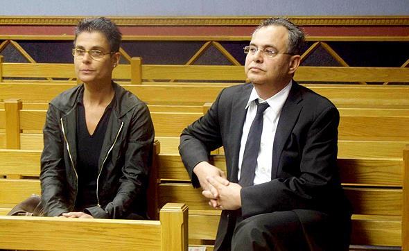 קובי אלכסנדר  ואשתו חנה בזמן דיון על הסגרתו בבית משפט בנמיביה, צילום: רויטרס