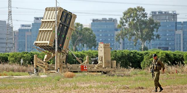 מערכת כיפת ברזל ב מרכז הארץ במהלך מבצע צוק איתן, צילום: עמית שעל