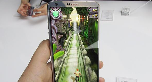 השקת טלפון סלולרי LG G6 תערוכת המובייל MWC ברצלונה 7, צילום: עומר כביר