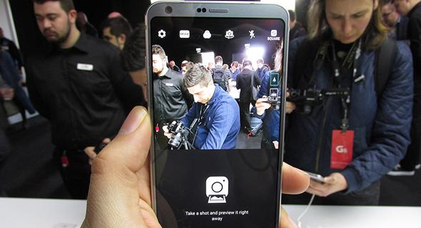 השקת טלפון סלולרי LG G6 תערוכת המובייל MWC ברצלונה 9, צילום: עומר כביר