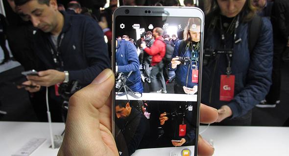השקת טלפון סלולרי LG G6 תערוכת המובייל MWC ברצלונה 10, צילום: עומר כביר