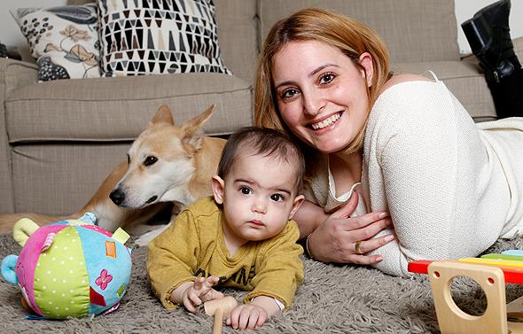 הילה דביר-ממן עם בתה נעם, צילום: עמית שעל